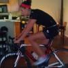 <p>Trening na trenazeru mnoge asocira na duge dosadne sate provedene na biciklu u dnevnoj sobi. Najomiljeniji filmovi i najuzbudljiviji sportski prenosi na televiziji ne mogu ubiti monotoniju treninga na...</p>